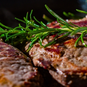 canva-meat-steak-detail